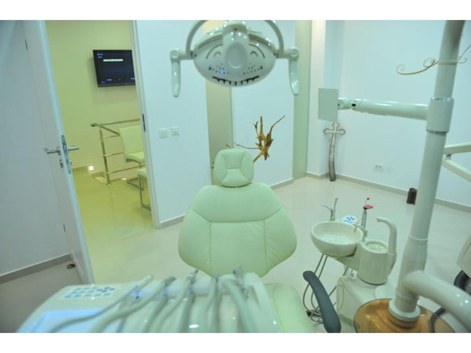 ASCLEPIMED - Clinica Stomatologica de Supraspecialitate - 29.jpg