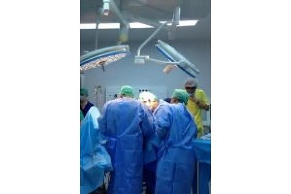 Spitalul OncoFort - spital_oncofort_operatie2(m).jpg