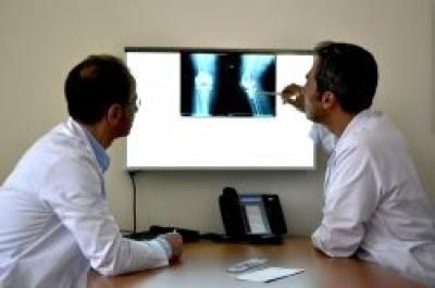 Ce este osteomielita  și care sunt cauzele ei?